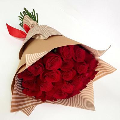 Классический букет красных роз